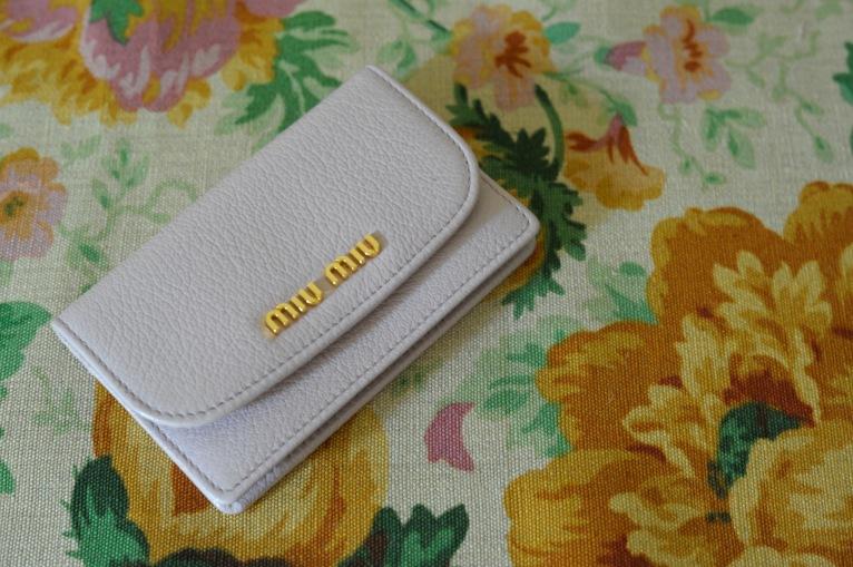 'Devonshire' safran by Rubelli with Miu Miu leather cardholder